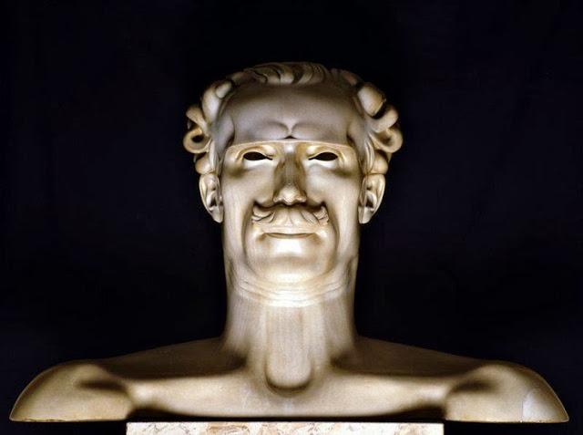Une sculpture / un sculpteur en passant - Page 3 Zzzazz10