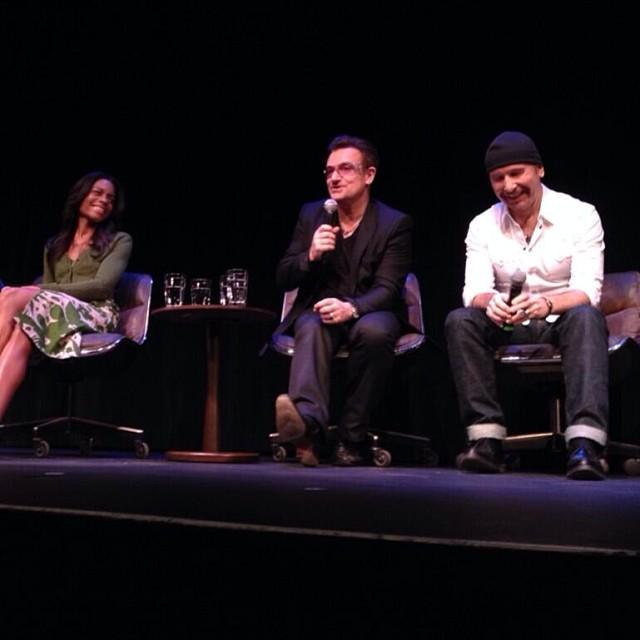 Gli U2 premiati al Palm Springs Film Festival - AGGIORNAMENTO 05/01 Bono_210