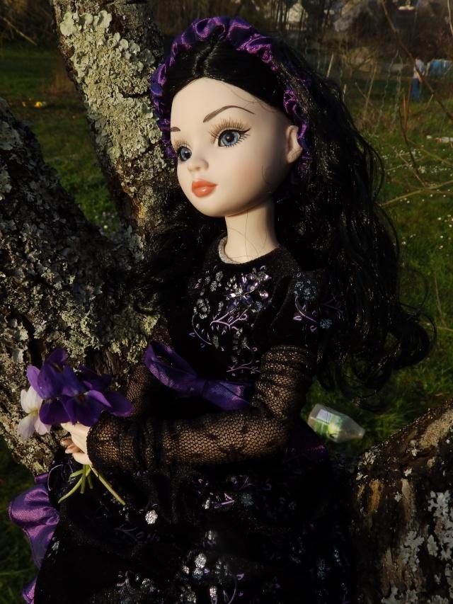 Velvet Lights dans les violettes par Maman poule P3190312