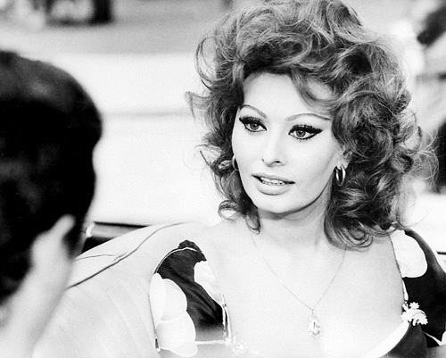 Sophia Loren is 75! - Page 5 X_4dcb10