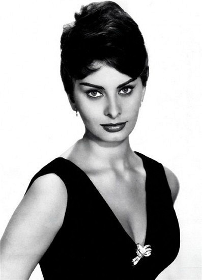Sophia Loren is 75! - Page 5 X_752210