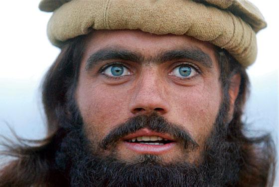 Française s'adressant aux Afghan - Page 3 Torabo10