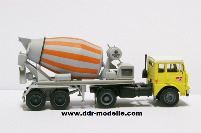 Jelcz 317 mit Mischauflieger Zremb NB-181 Dsc00920