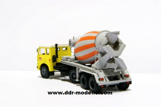Jelcz 317 mit Mischauflieger Zremb NB-181 Dsc00921