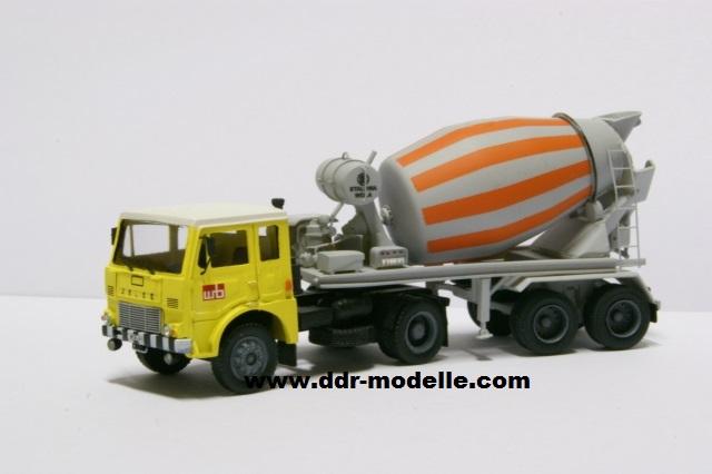 Jelcz 317 mit Mischauflieger Zremb NB-181 Dsc00922