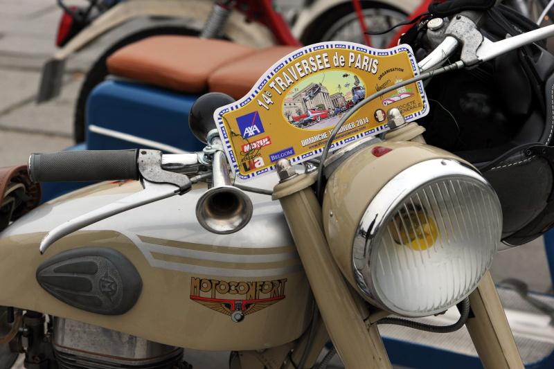 Traversée de Paris en voiture de collection et montres vintage Dsc_8415