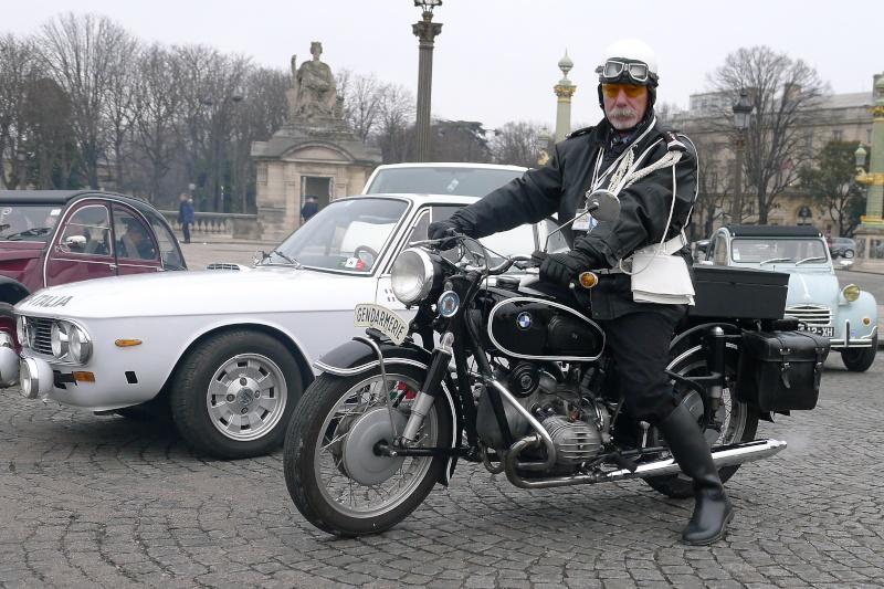 Traversée de Paris en voiture de collection et montres vintage P1160012