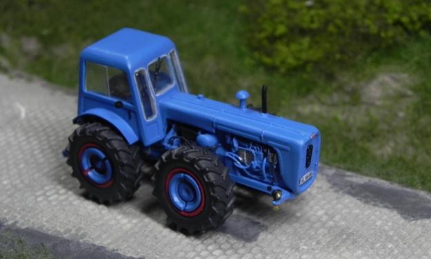 Traktor DUTRA D4K Forum311