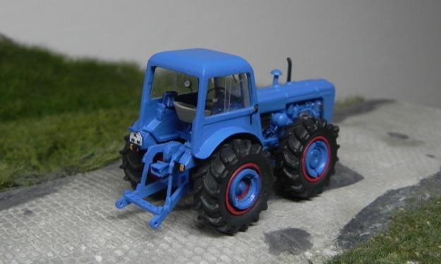 Traktor DUTRA D4K Forum411