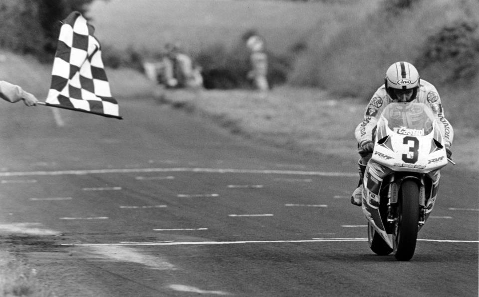 Photo Race d'époque  - Page 3 Rc45_j10