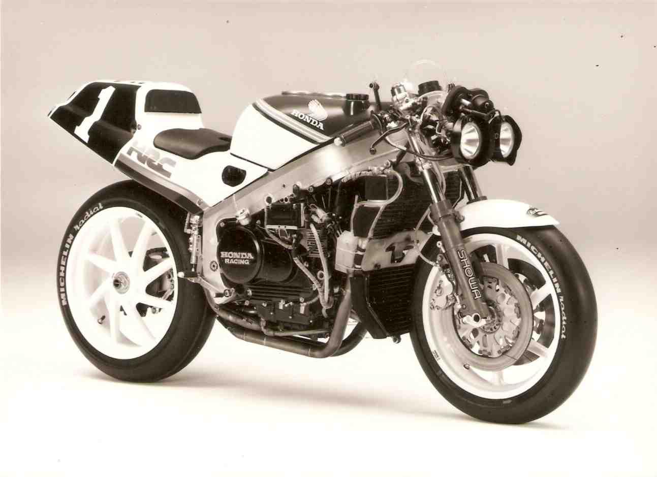 Honda RC 30 - Page 5 Rvf75012