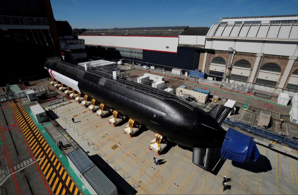 Les futurs sous marins nucléaires d'attaque classe SUFFREN - Page 6 11-76710