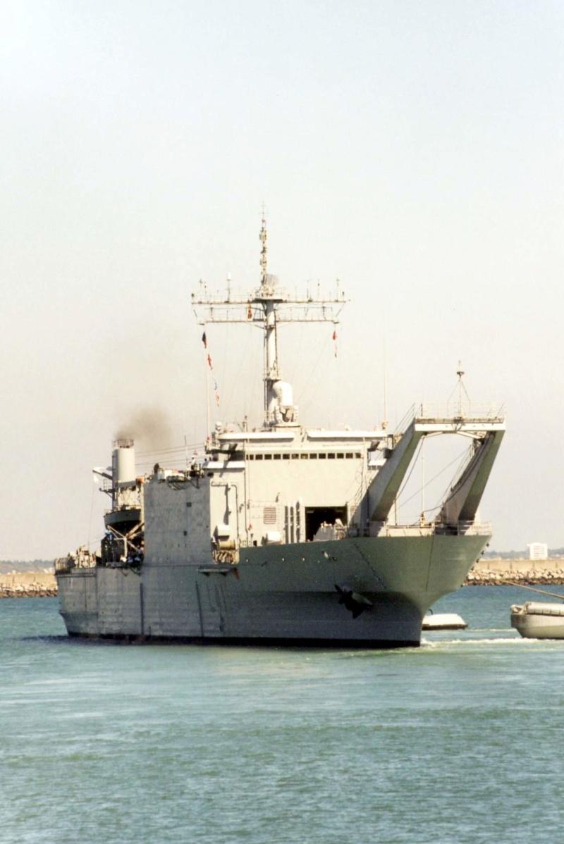 LANDING SHIP TANK (LST) CLASSE NEWPORT  - Page 2 Esp_h_18