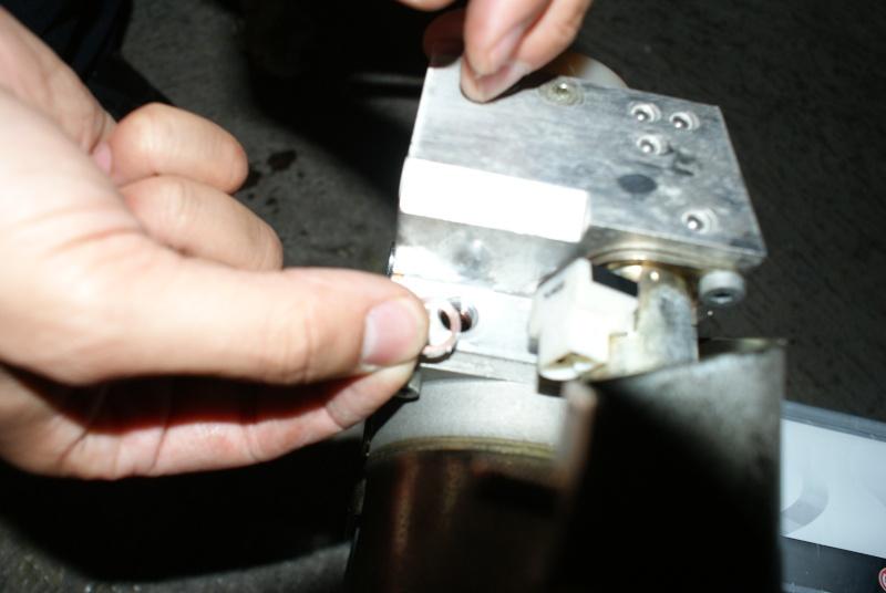 appoint d'huile pour coffre hydraulique Dsc08814
