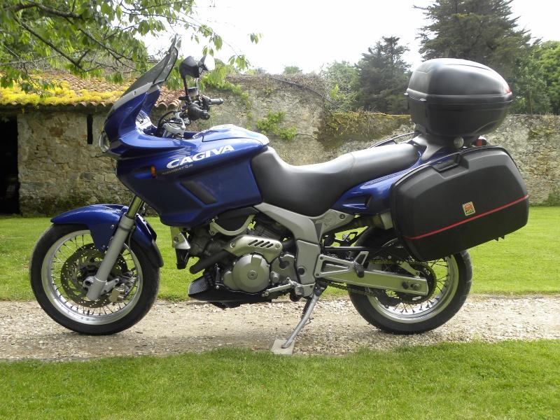 Présentation de la moto Cagiva12