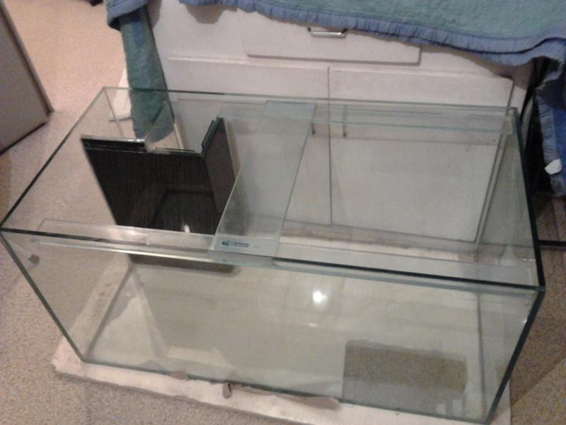 mon premier aquarium 240 brut avec installation de la  décante  Photo011