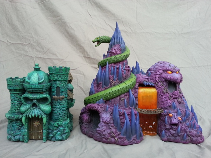 "Masters of the Universe Castle Grayskull  and Snake Mountain Polystone Environment ""ICON HEREOS"" 57282610"