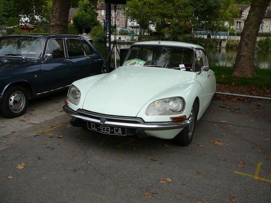 Simca P60 de 1961 P1070530