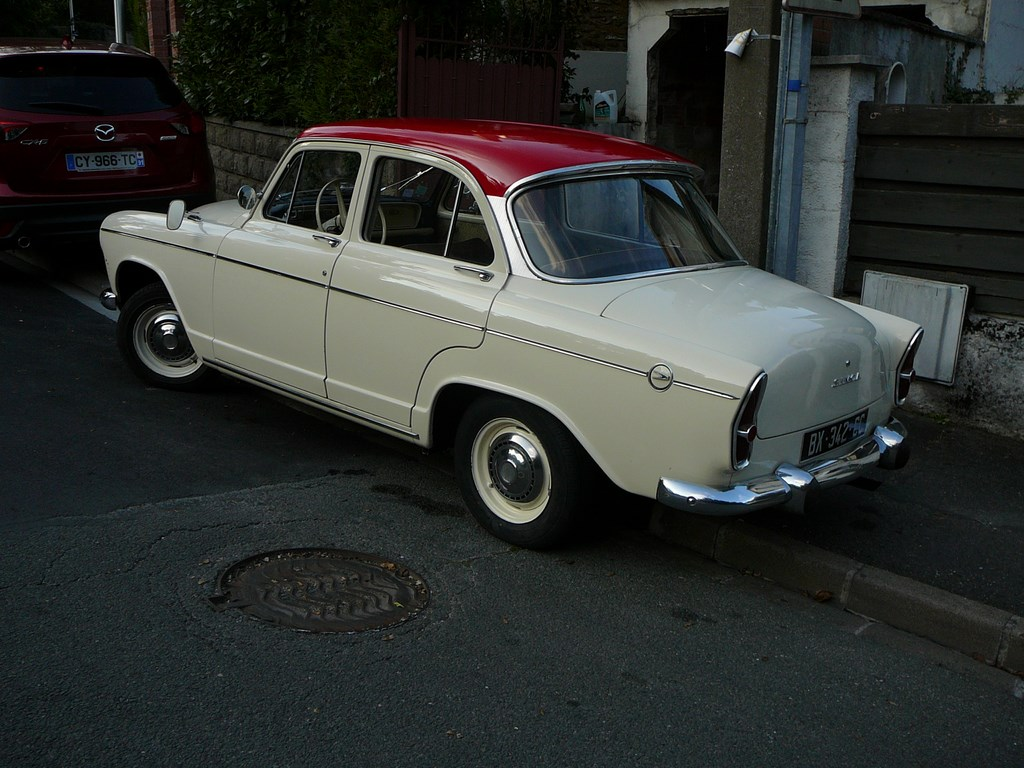 Simca P60 de 1961 P1070632
