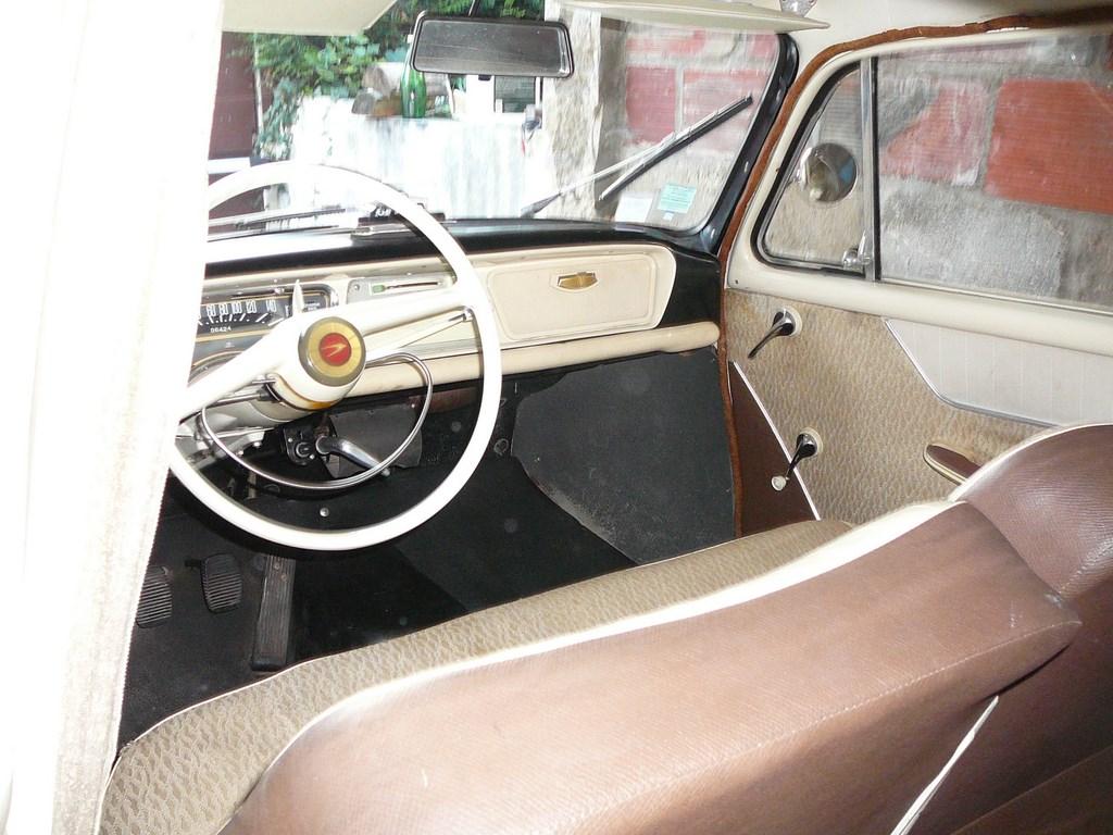 Simca P60 de 1961 P1070634