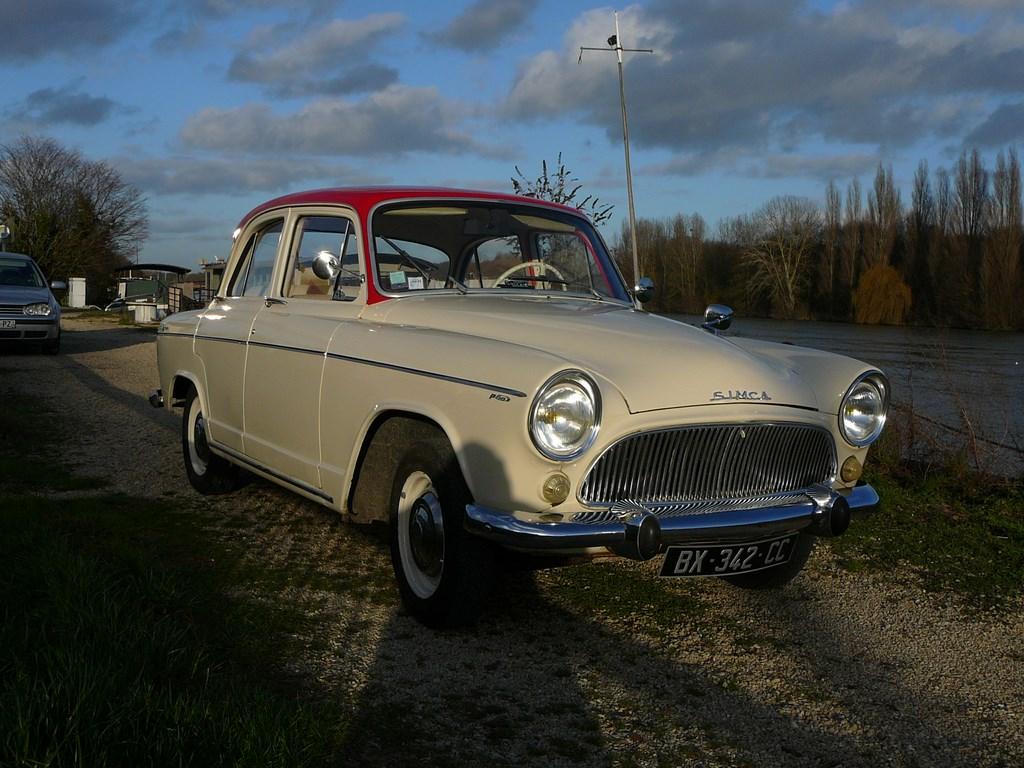 Simca P60 de 1961 - Page 3 P1080024