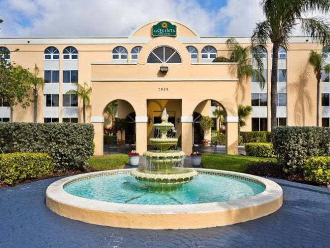 5 Auvergnats en Floride - Universal Busch Gardens et WDW Octobre 2013 - Page 4 La_qui10
