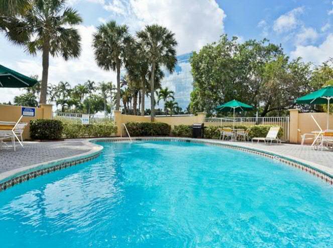 5 Auvergnats en Floride - Universal Busch Gardens et WDW Octobre 2013 - Page 4 La_qui12