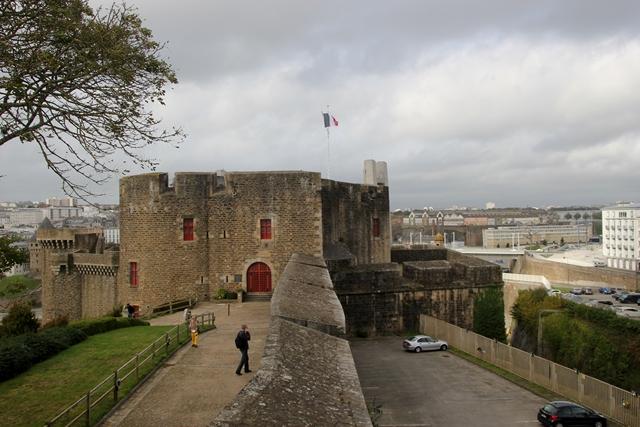 PATRIMOINE: MONUMENTS D'HIER ET D'AUJOURD'HUI Img_2032