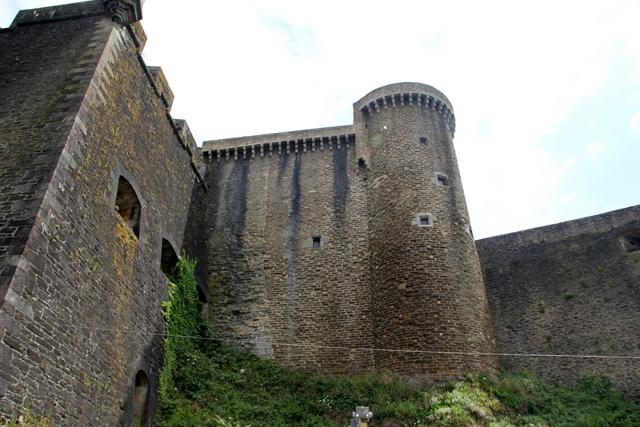 PATRIMOINE: MONUMENTS D'HIER ET D'AUJOURD'HUI Img_3411