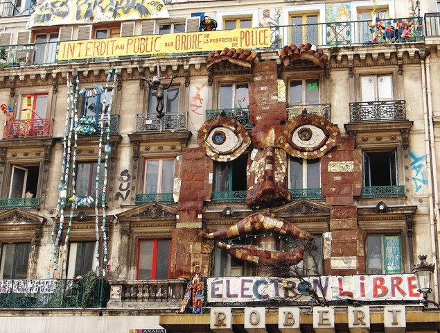 Squats artistiques parisiens ...régularisés  Squat_10