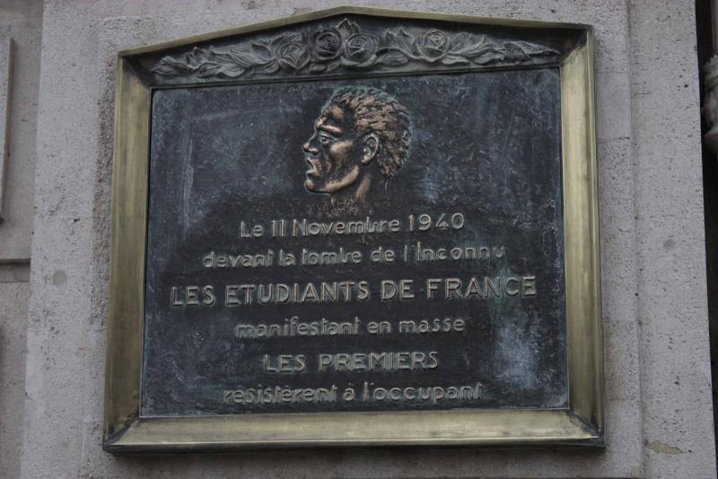 11 novembre 1940 une manifestation de résistance.  Palque10