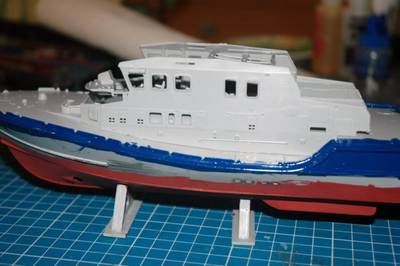 RNLI Severn Class Lifeboat 1/72 Airfix K800_s12