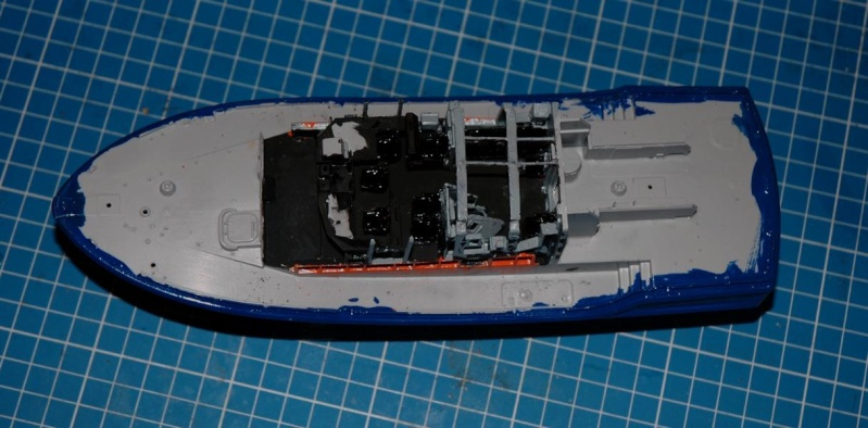 RNLI Severn Class Lifeboat 1/72 Airfix K800_s13