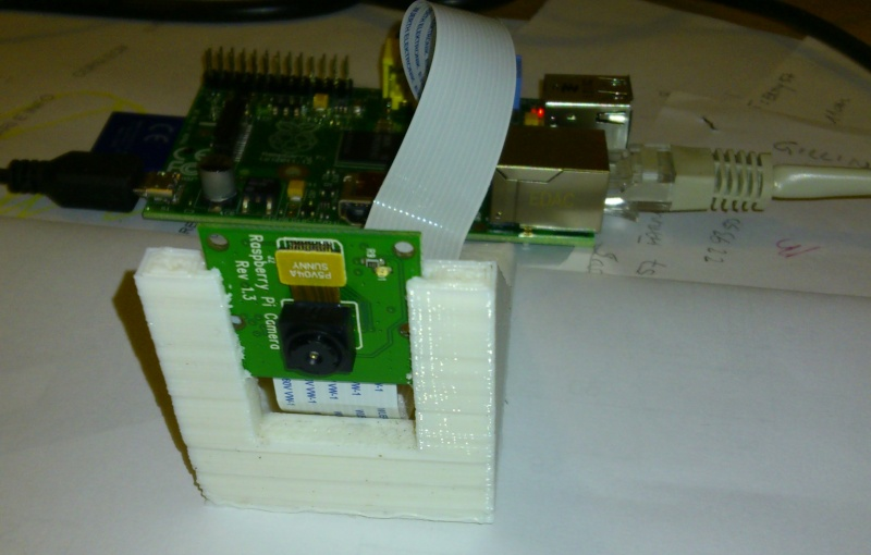 Ecco!!!una Webcam con il RaspberryPi e Camera Board Dsc_0114