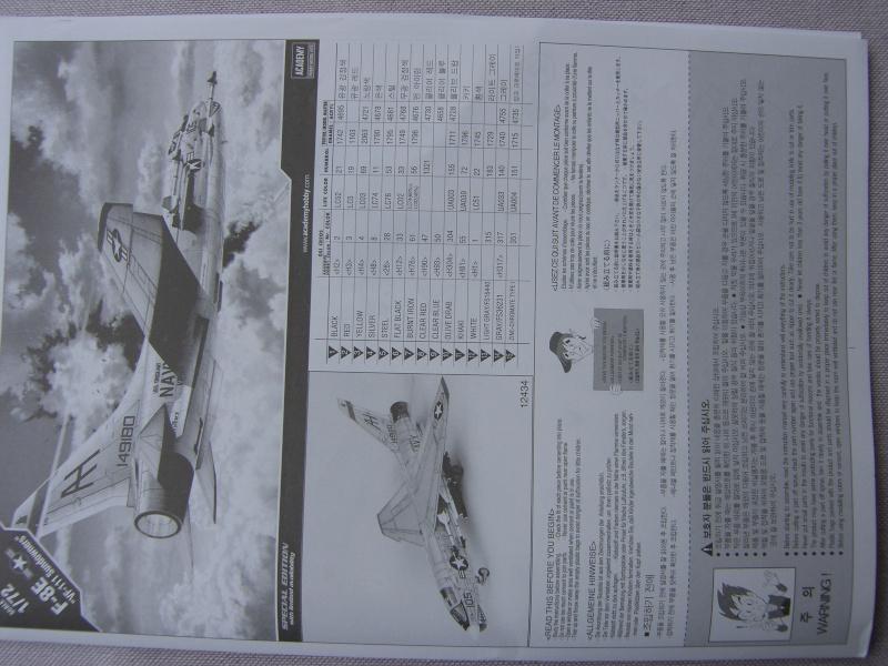 Academy - 1/72 - F8E Crusader Sh103417