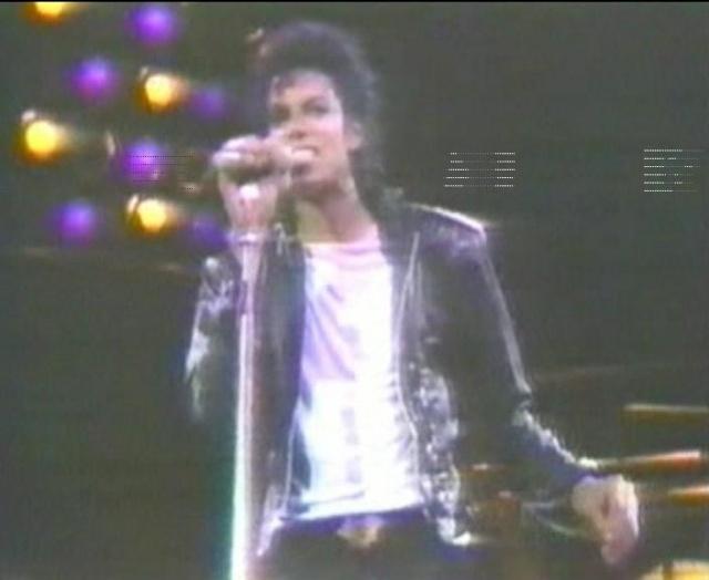 Michael Jackson On Tour (The Magic Continues) Magic_17