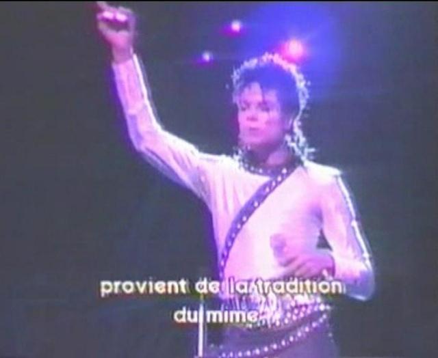 Michael Jackson On Tour (The Magic Continues) Magic_26
