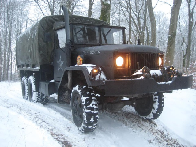 REO Deuce 6x6 military trucks.EU