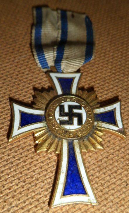 Identification de cette croix des mères or Crix_d12