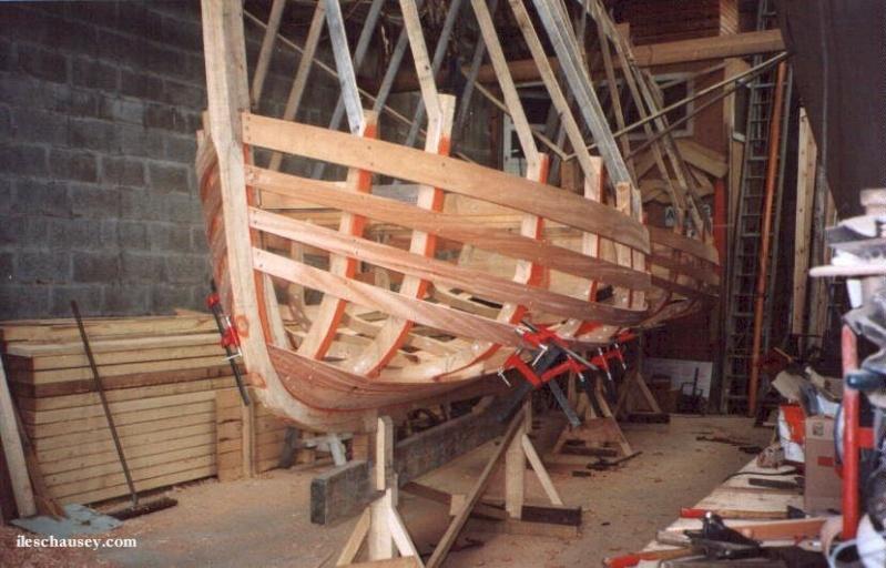 Construction d'un canot chausiais par Wadone - Page 2 5poseb10