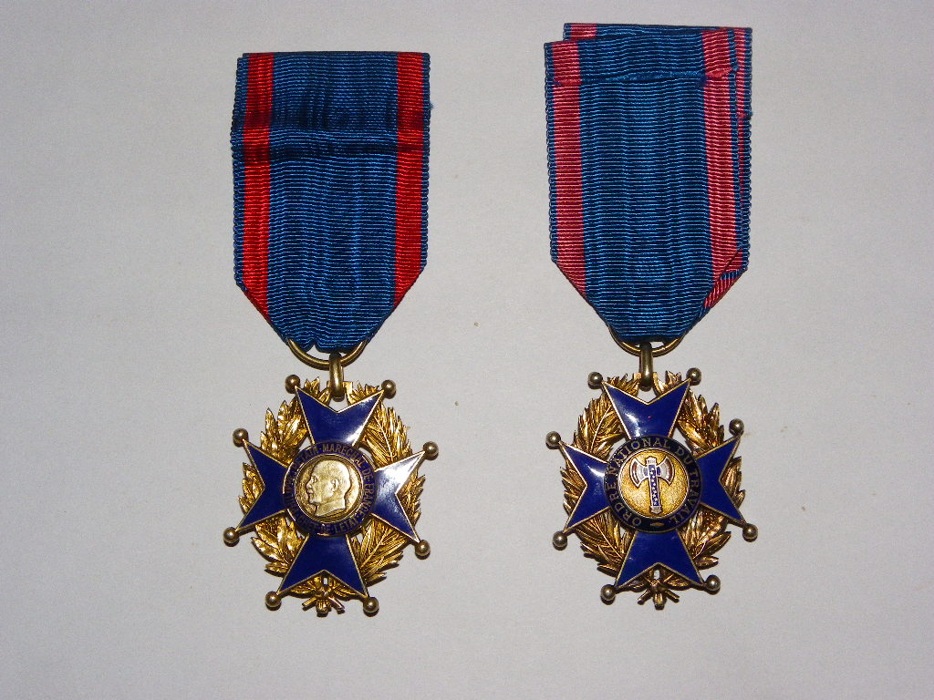 ordre national du travail de vichy Imgp0322