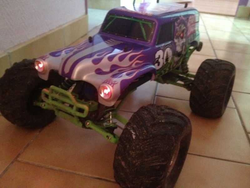 Traxxas Grave Digger 30th Anniversary , 1/10 Img_4448