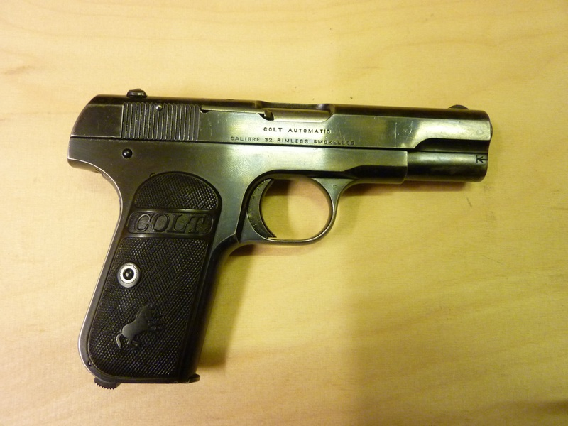 COLT 1903 pocket hammerless  P1050111
