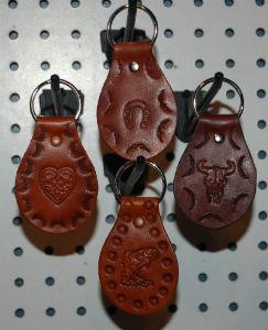 VENDU - Articles en cuir à vendre  Nomade13