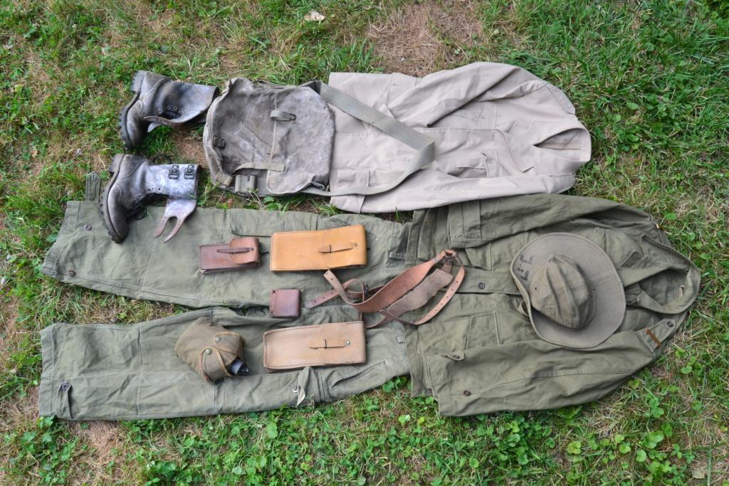 Ensemble après-guerre INDO/ALGERIE d'un même homme: vestes, pantalon, équipement cuir, gourde, rangers, chapeau de brousse, musette. AJOUT PHOTOS + BAISSE DE PRIX TERMINE-ALPINS-SEPT1 Dsc_2029