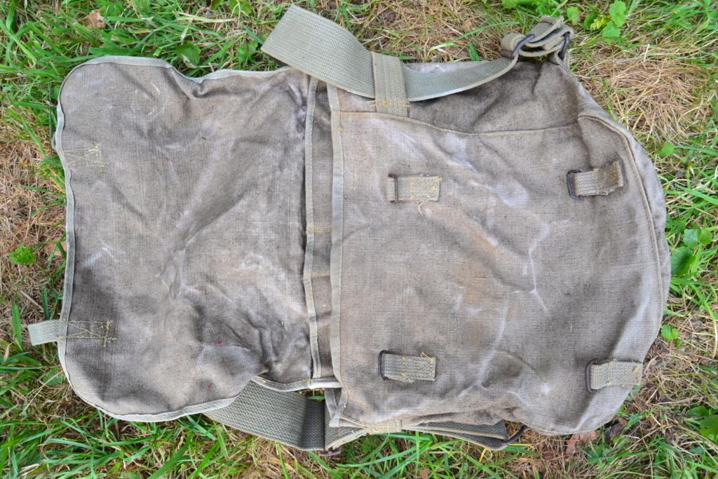 Ensemble après-guerre INDO/ALGERIE d'un même homme: vestes, pantalon, équipement cuir, gourde, rangers, chapeau de brousse, musette. AJOUT PHOTOS + BAISSE DE PRIX TERMINE-ALPINS-SEPT1 Dsc_2035