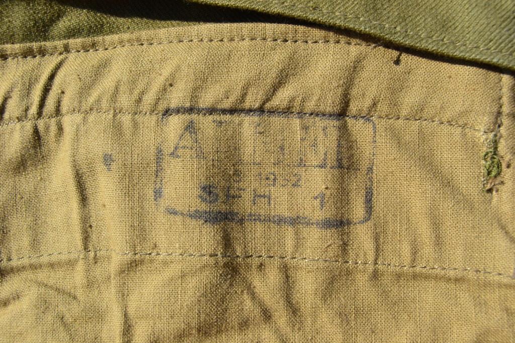 Ensemble après-guerre INDO/ALGERIE d'un même homme: vestes, pantalon, équipement cuir, gourde, rangers, chapeau de brousse, musette. AJOUT PHOTOS + BAISSE DE PRIX TERMINE-ALPINS-SEPT1 Dsc_2111