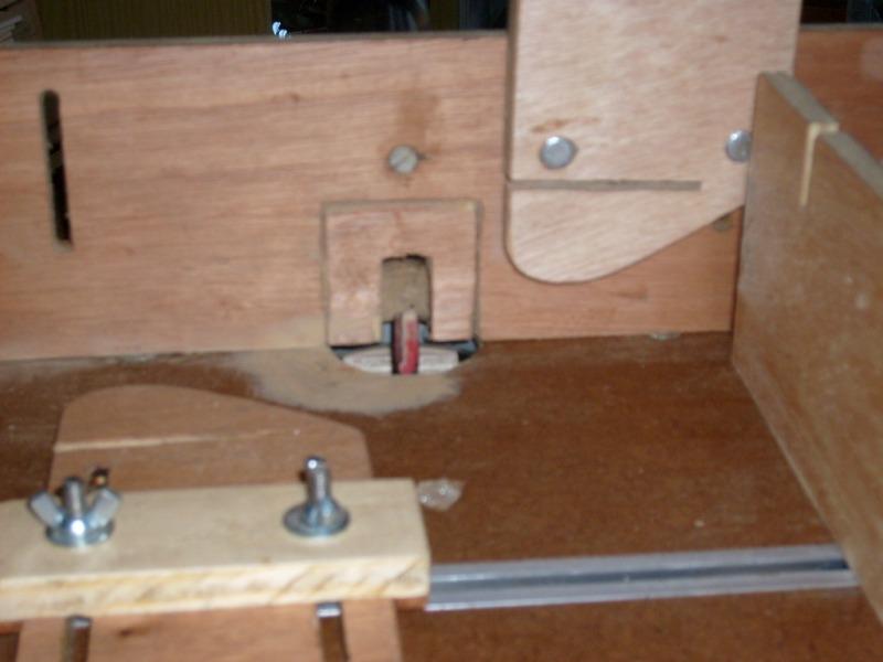 Suite de la réalisation de la table de défonceuse S6300738