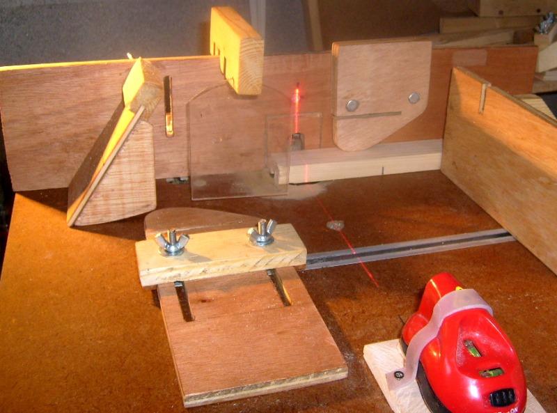 Pointage laser sur table defonceuse S6300748