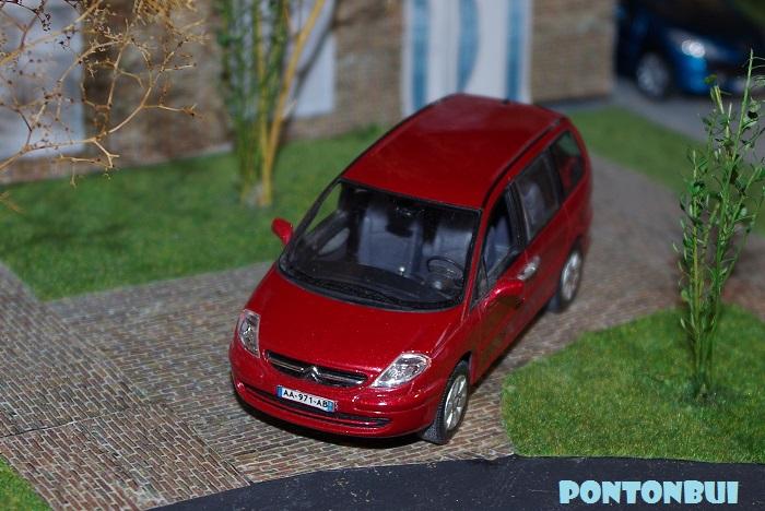 03 - Citroën ( Les Modernes Post-1990 )  C8_210